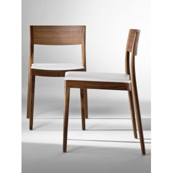 Miss - Modern chair with wooden structure and leather seat by Tonon