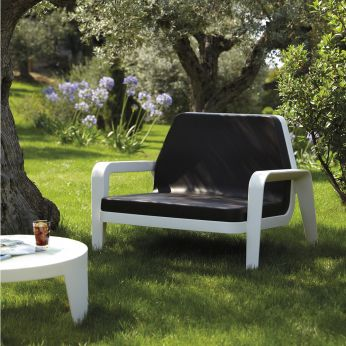 America - Chic and comfortable low chair, also for garden