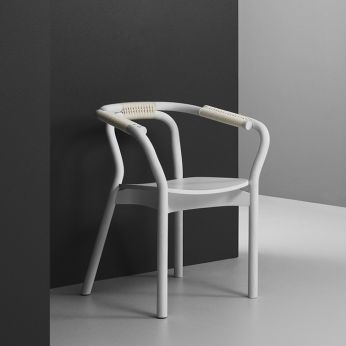 Knot - Chair made of white lacquered ash wood with braided cord details in white