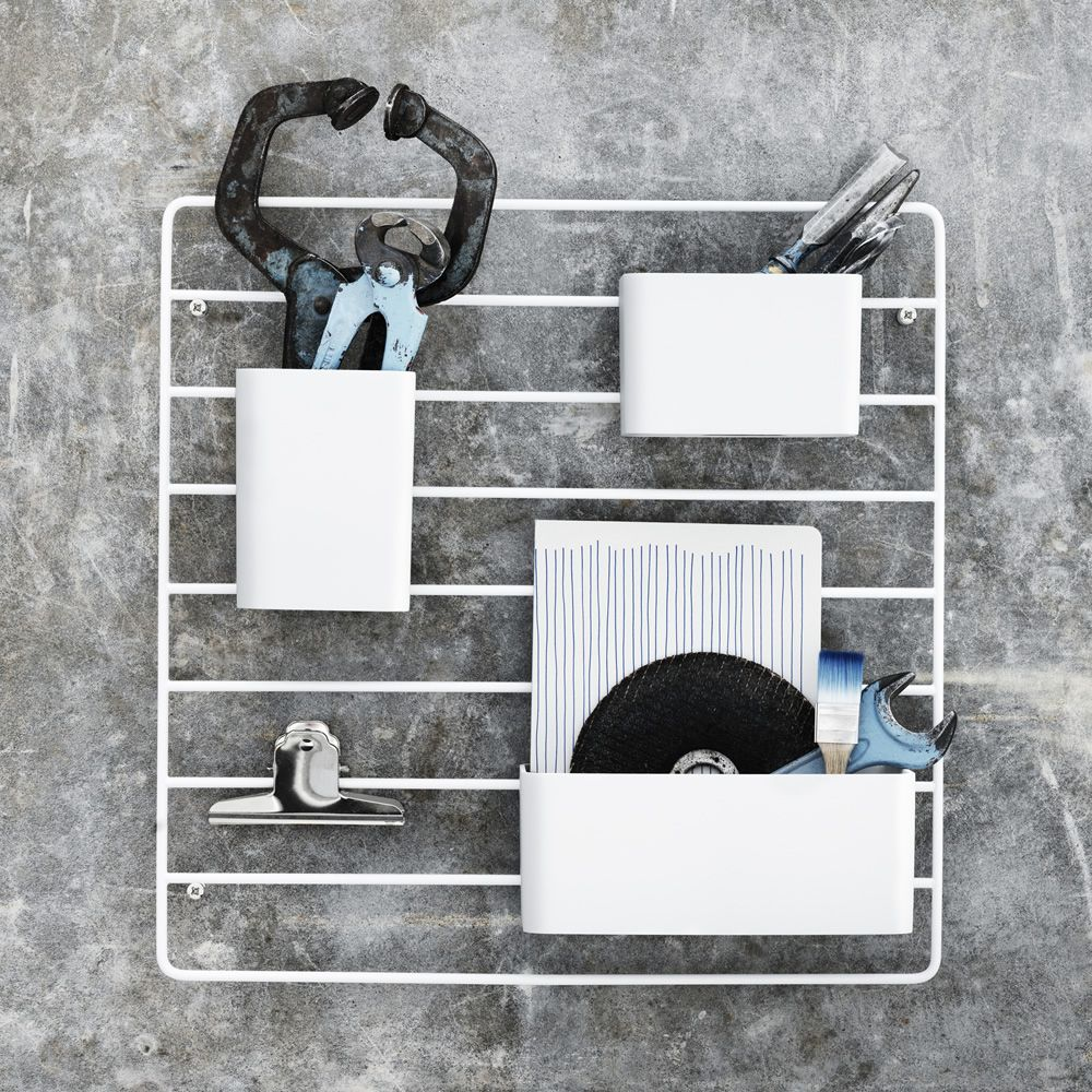 Wall-mounted workstation organizer, in metal and plastic