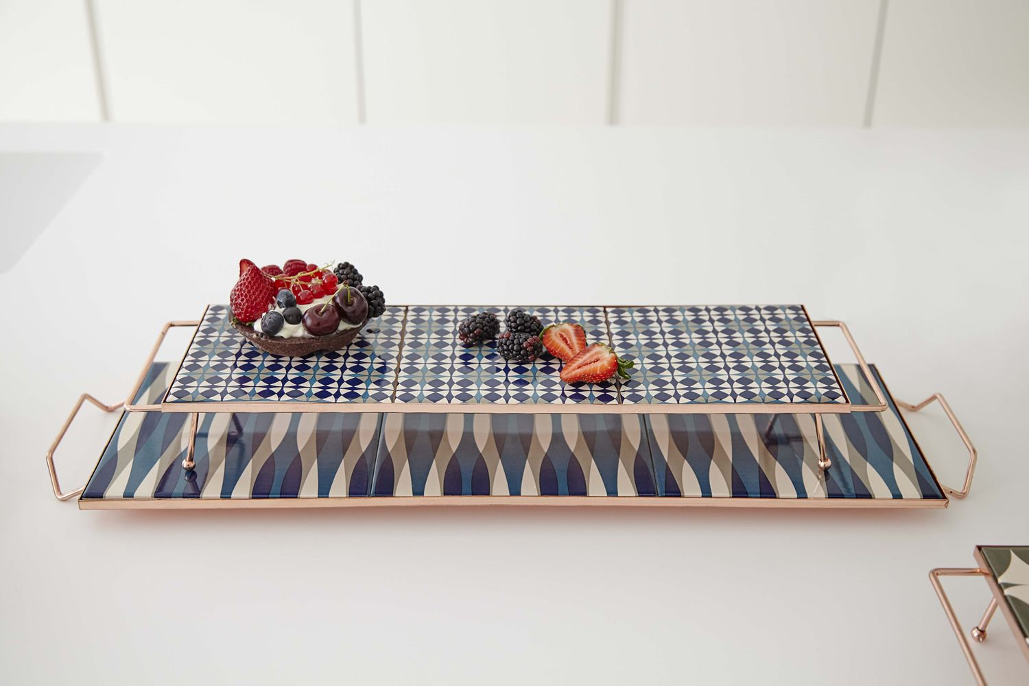 Tray in metal, S and M models, blue colour