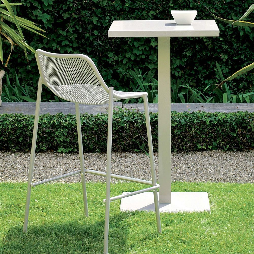 White varnished metal table matching with round S stool