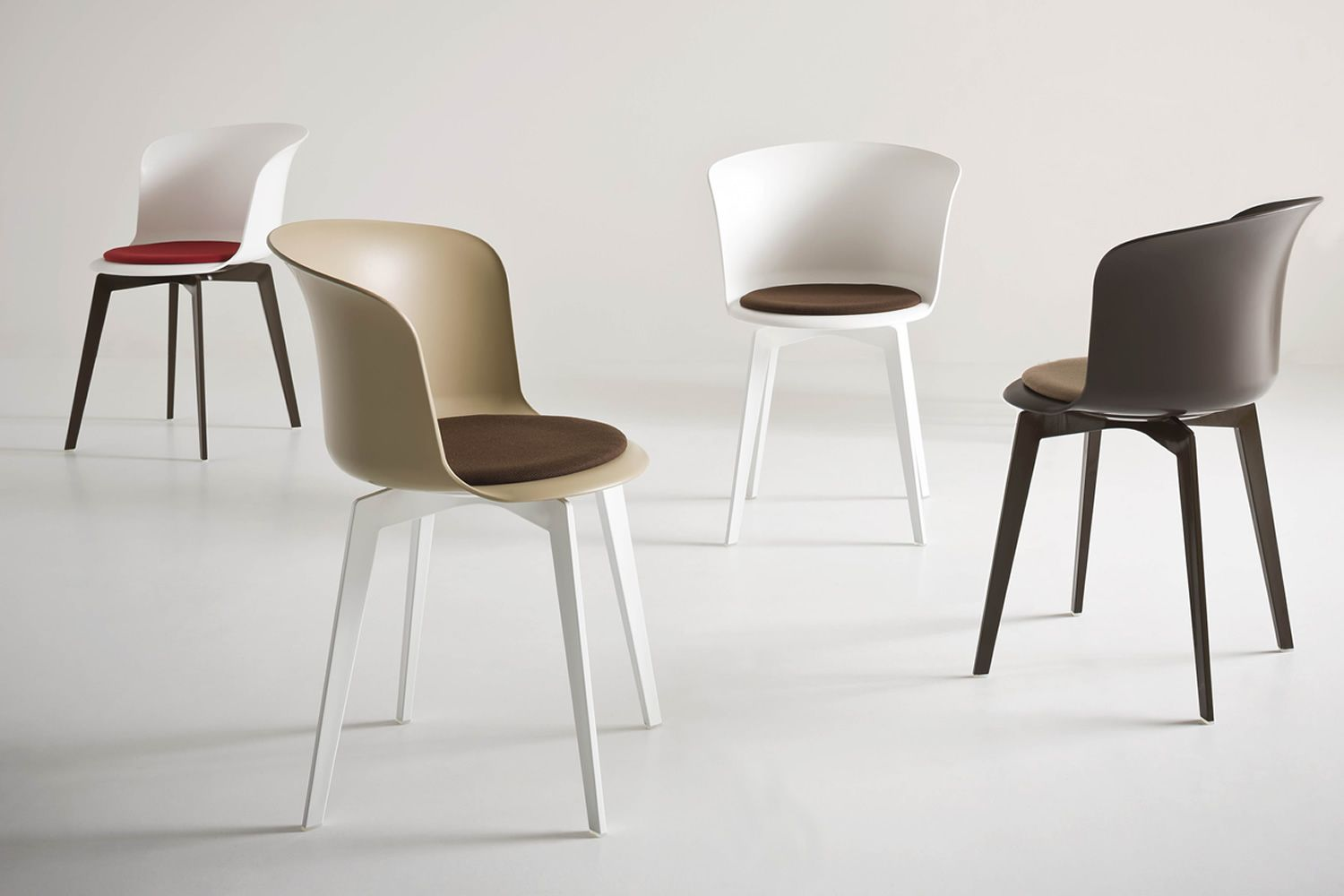 Chairs and tables: Epica