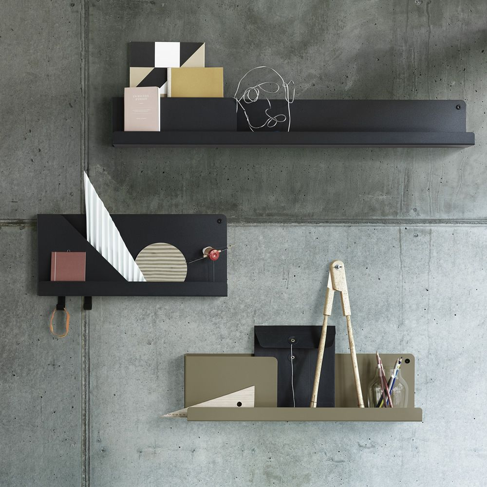 Shelf in folded metal, lacquered in different colors