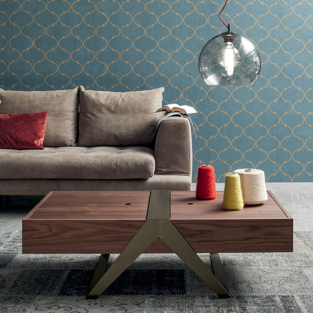 Coffee table with varnished metal frame and veneered wooden top, Canaletto walnut finish