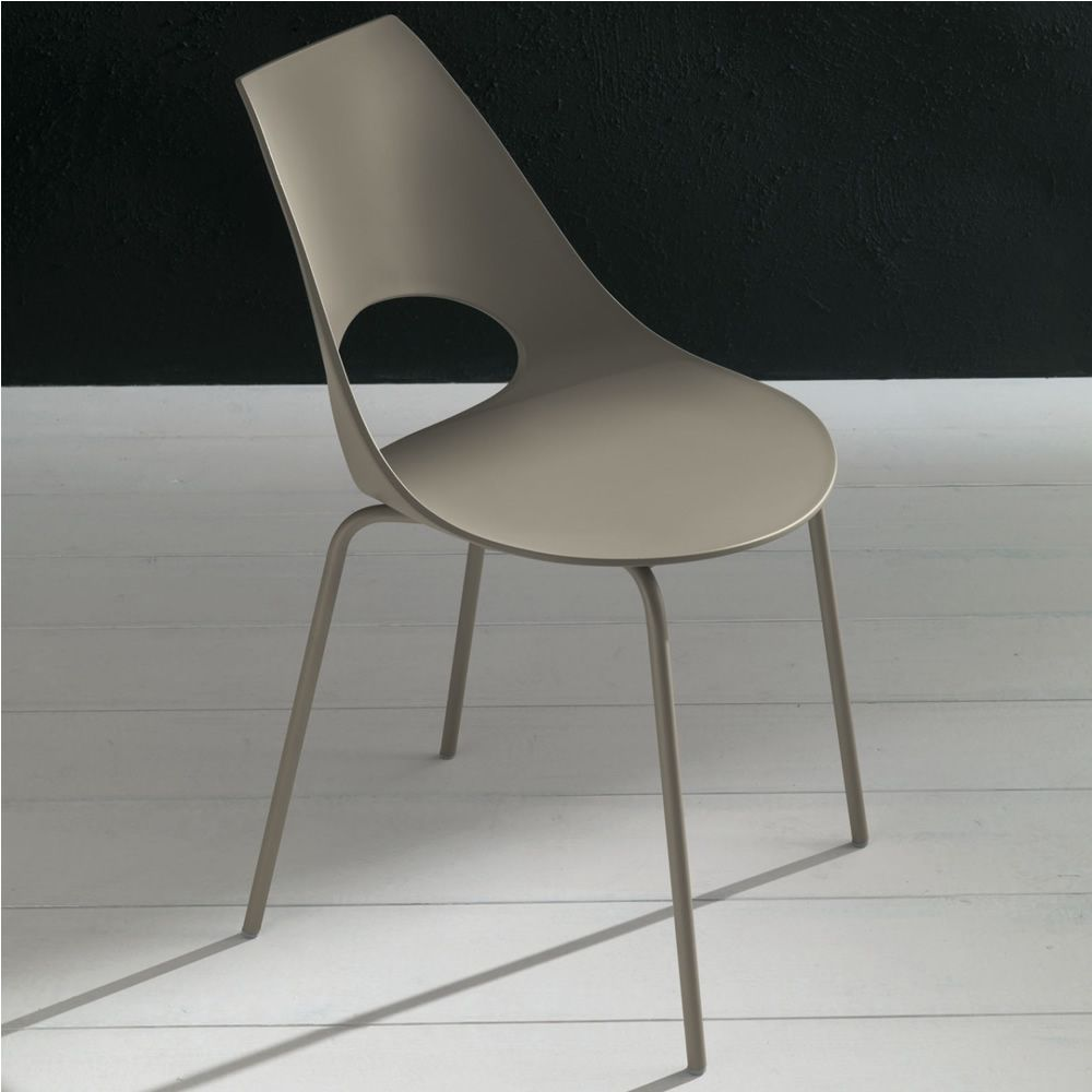 Chair in sand lacquered metal and sand colour polypropylene seat