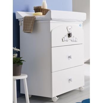 Meggie F - Changing table-baby bath