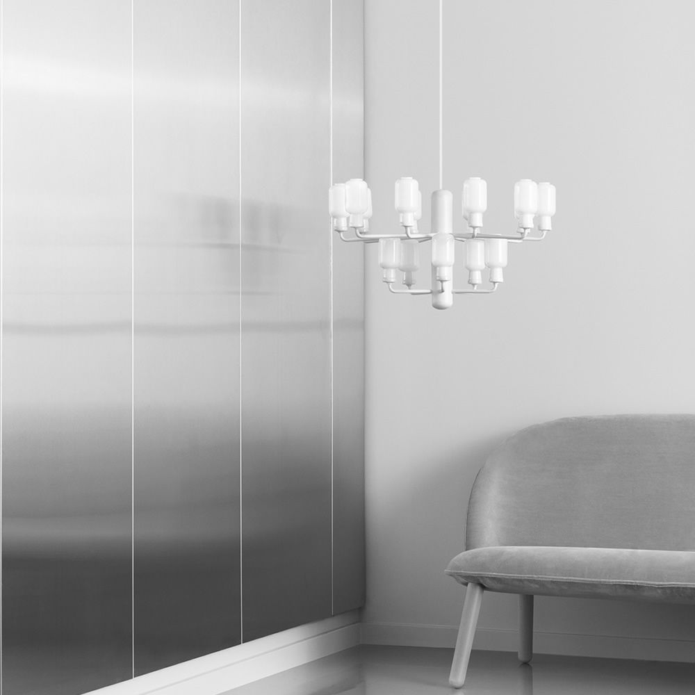 Pendant lamp with white varnished structure, lights with white marble base and lampashade in opal white glass