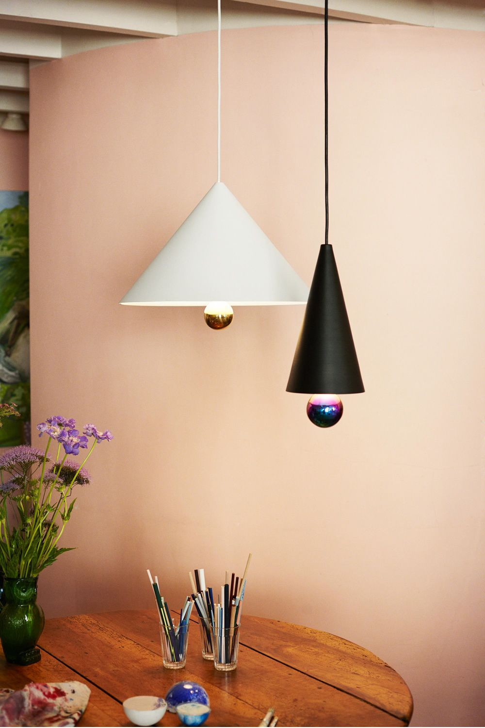 Suspension lamp made of black and white metal and plexiglass (Size: Small, Big)