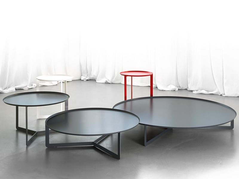Complete set in black color, combined with Round1, higher and smaller, in black and red colour