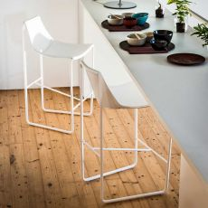 Apelle H - Midj stool made of metal and natural hide, different heights