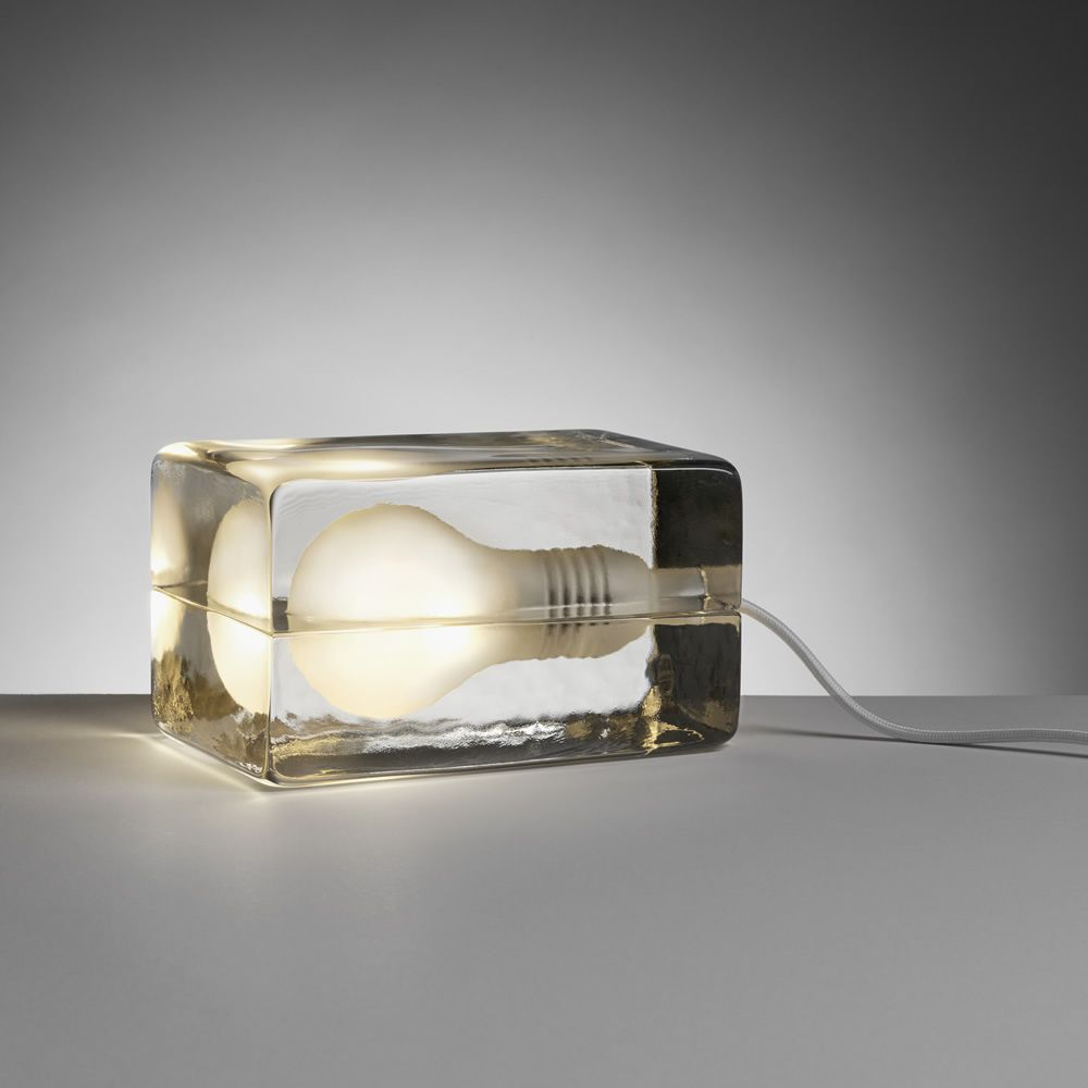 Design table lamp in glass, with textile cord in white