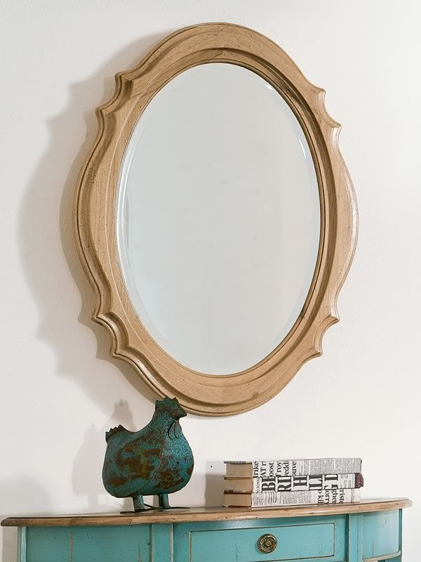 Mirror with classic frame made of wood, different finishes available