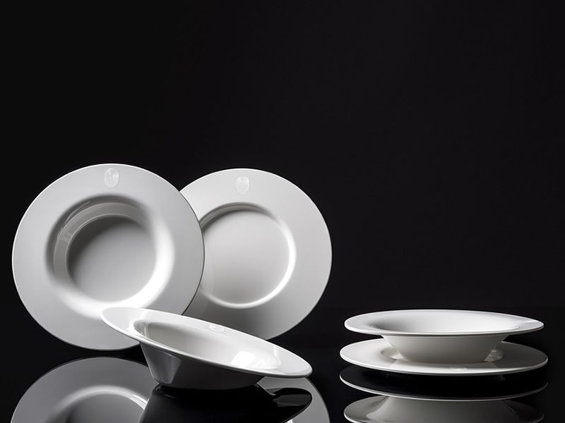 Plates collections by Kartell