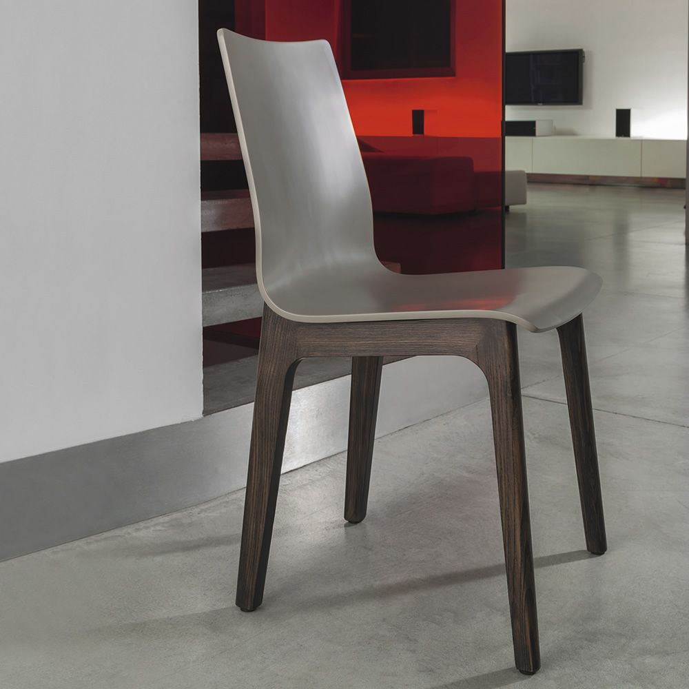 Designer chair in Spessart oak with sand colour lacquered wooden seat