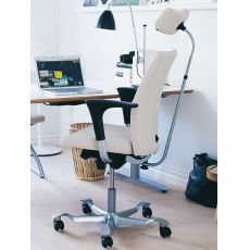 H04 ® - Ergonomic office chair by HÅG, backrest available in several sizes