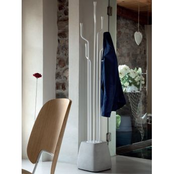 Urban-A - Coat hanger made of cement and white varnished steel, knobs in white lacquered wood