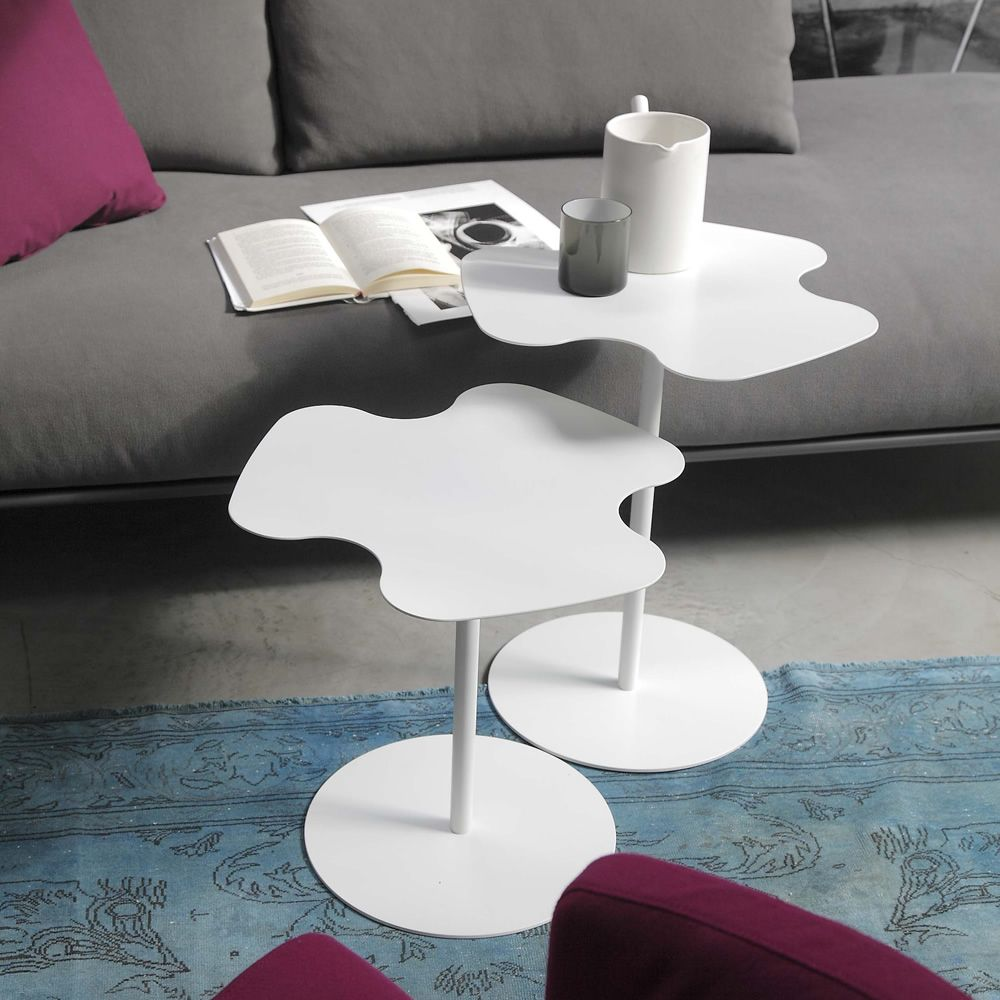 Table lacquered white, high and low