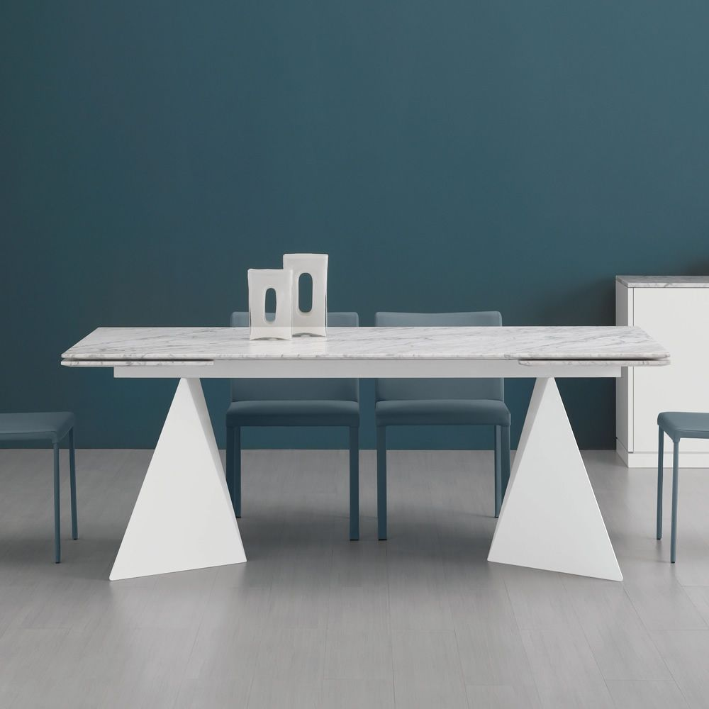Extendable table made of metal, matt white lacquered, with Carrara white marble top