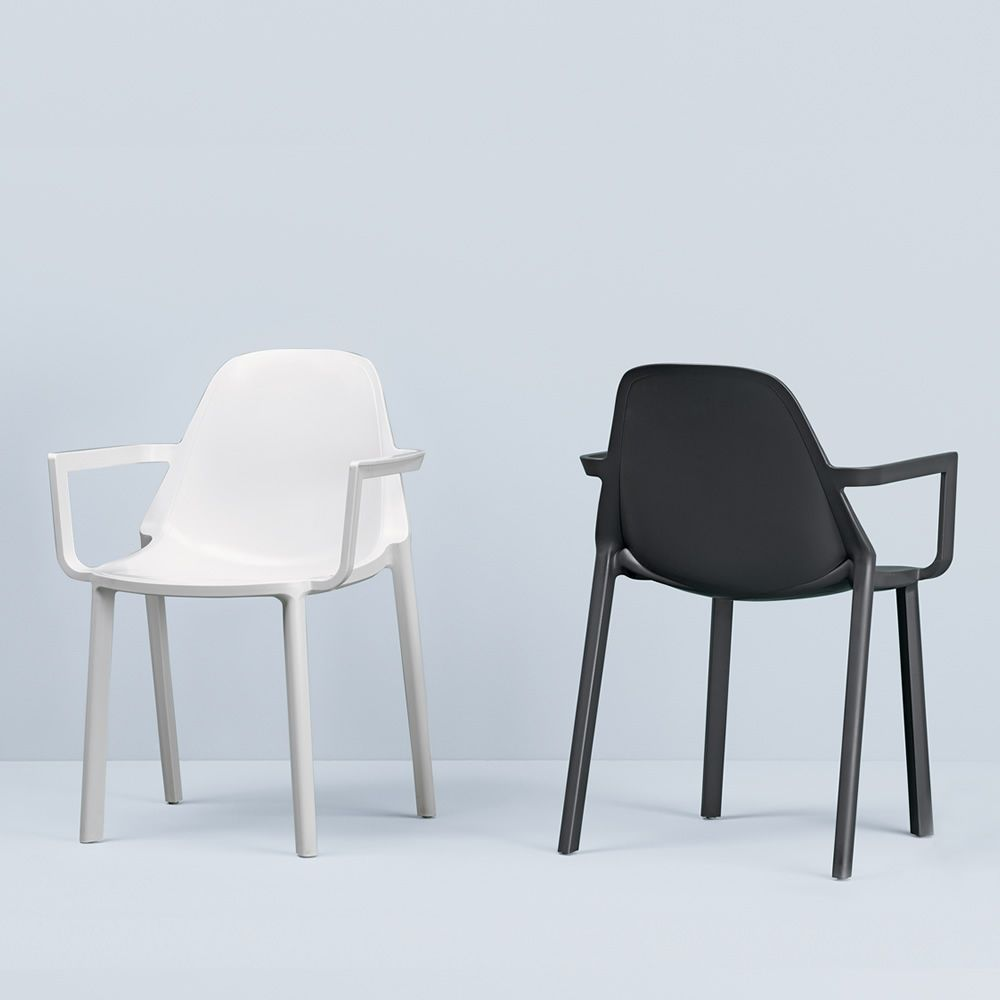 Chairs for outdoor in white and anthracite grey colour
