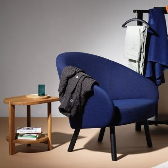 Nasu - Padded armchair in black lacquered wood covered with blue fabric, matched with Hardy coffee table