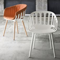 Basket - Modern armchair with seat in technopolymer, with metal or wooden legs, also for outdoor use, available in several colours
