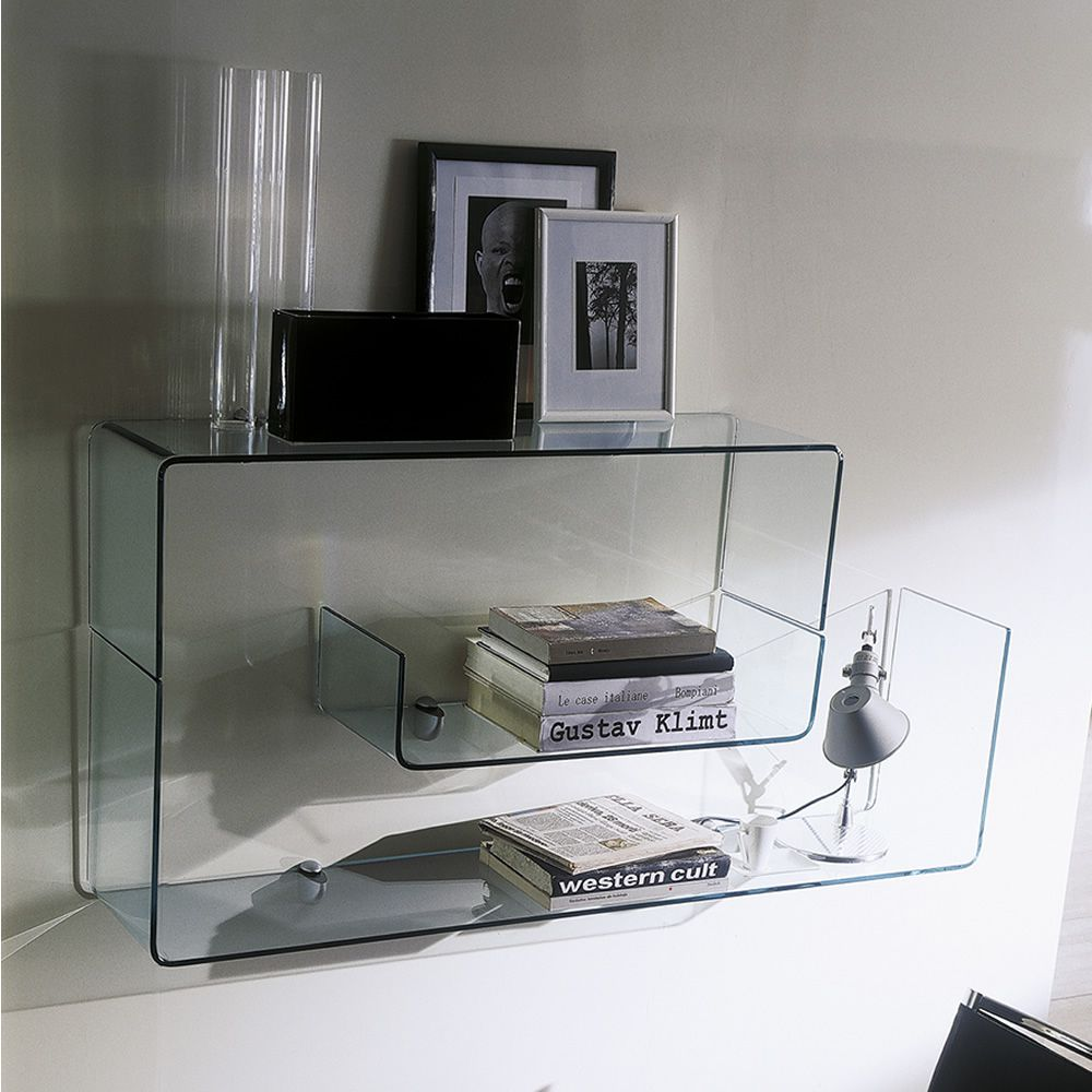 Shelves in transparent glass