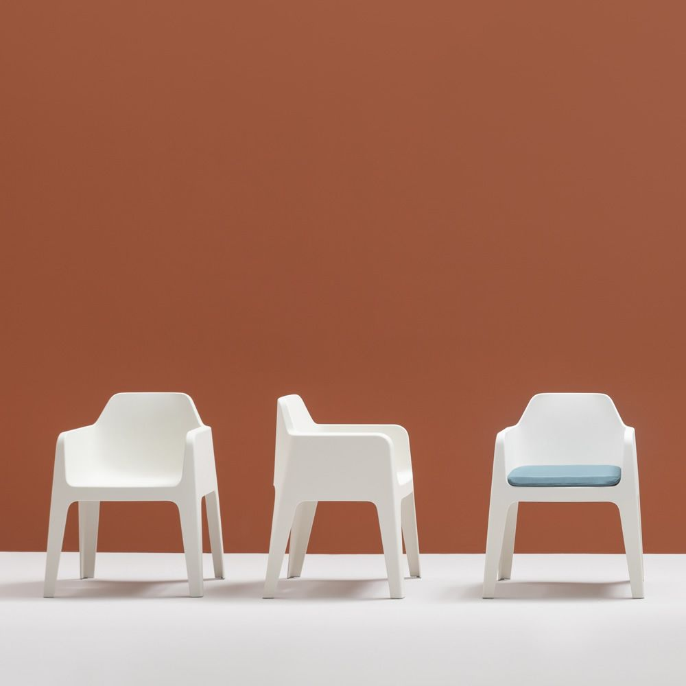 Garden chair, white colour, with fabric cushion in light blue colour