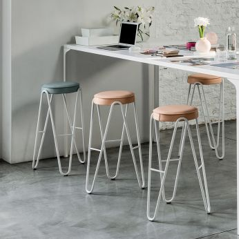 Apelle Jump - Stool in white varnished metal, with padded seat