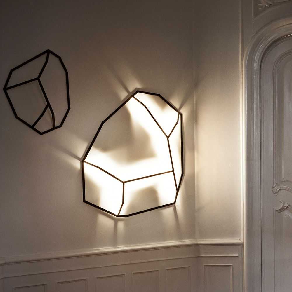 Wall lamp in metal, S and L models