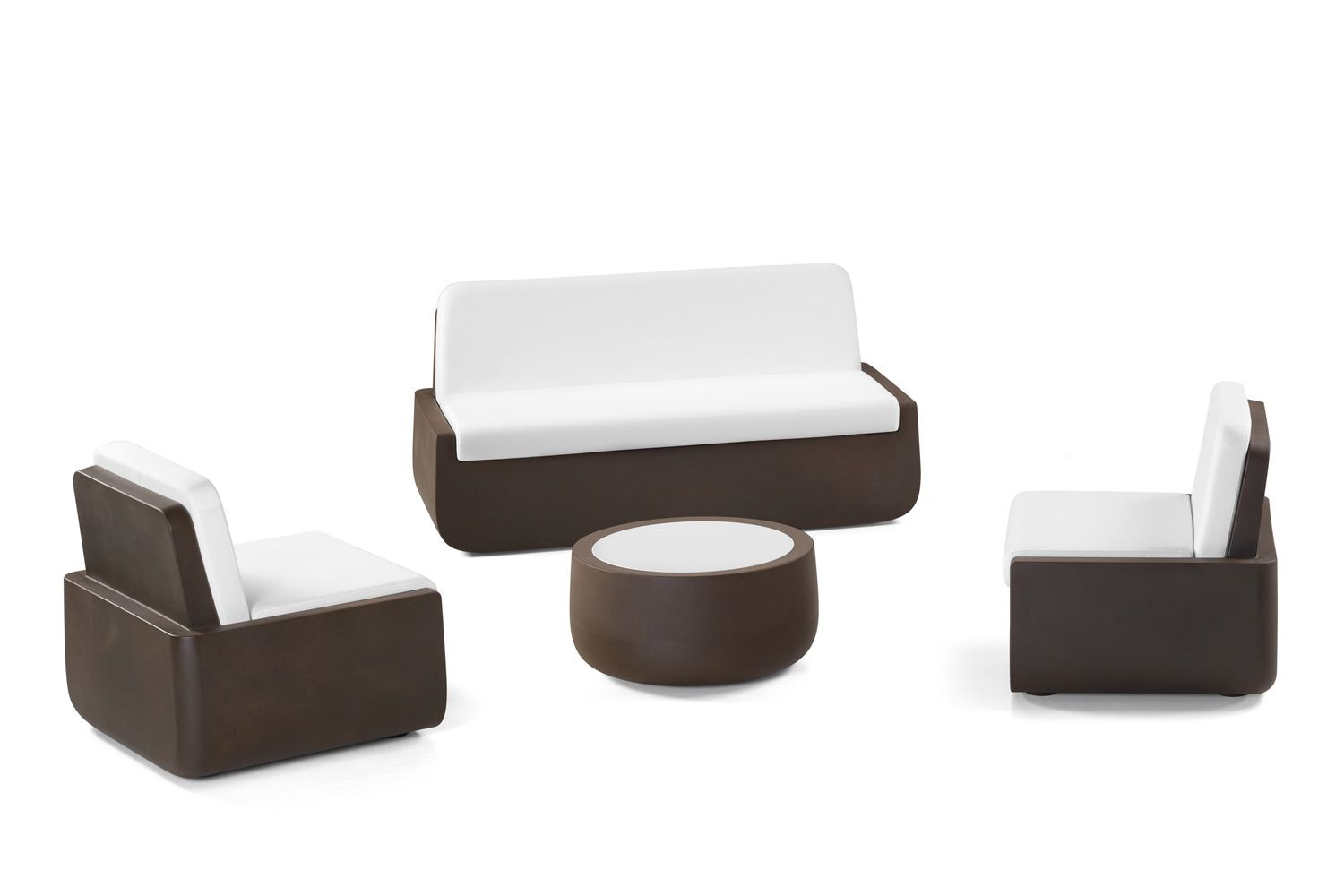 Garden set Bold by Plust composed by sofa, armchairs and coffee table