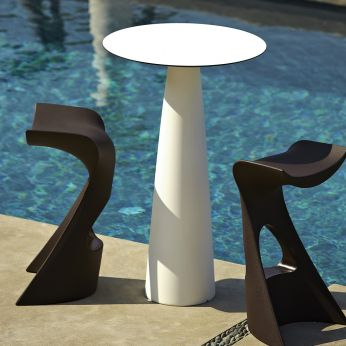 Hoplà L - Round table, also for garden, matched with stool Koncord