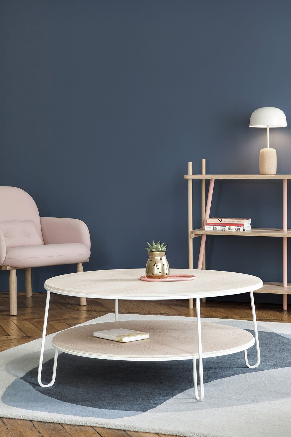 Chairs and tables: Eugénie