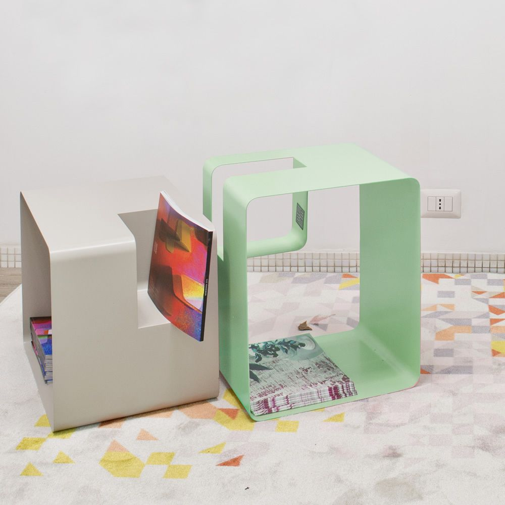 Bedside table or magazine holder table in metal, green colour