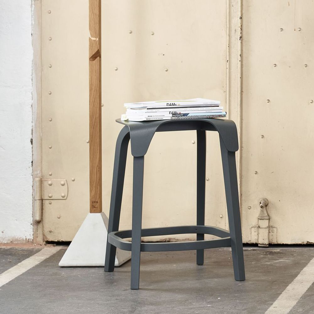 Leaf stool Beech wood Shadow grey lacquered Version Low