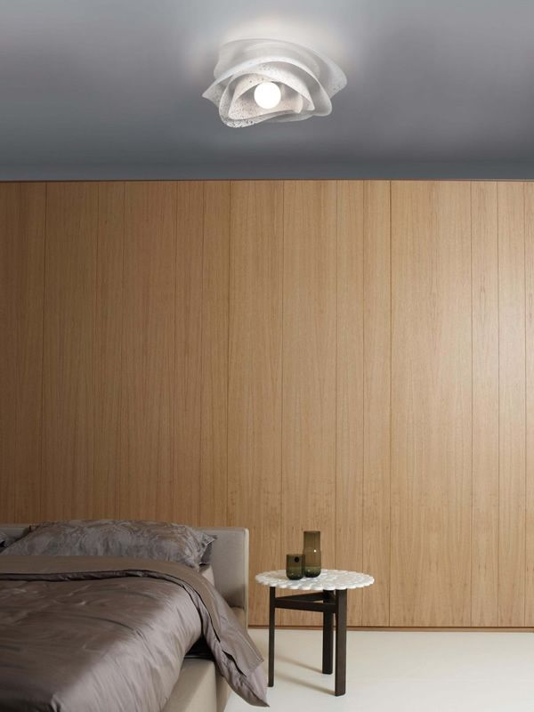 Ceiling lamp with anti-reflective polycarbonate lampshade, in white colour