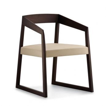 Sign 455 - Design chair in wengè stained oak wood, with padded seat covered in beige imitation leather