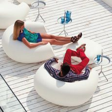 Chubby - Slide lounge armchair in polyethylene, different colours, also for garden