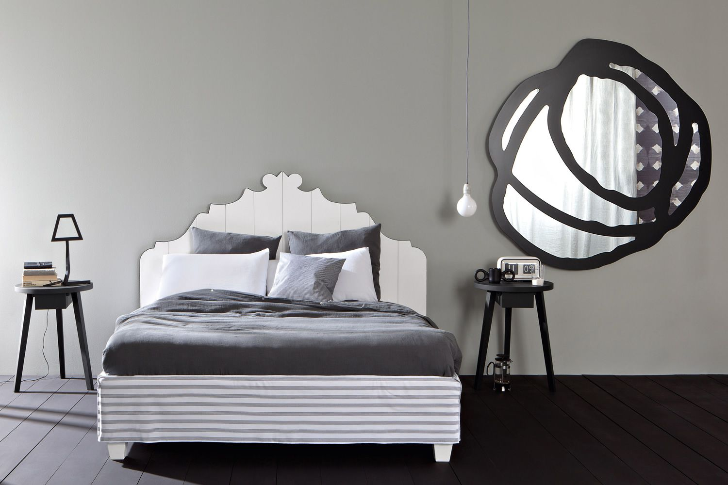 Mirror with black lacquered decoration, M model