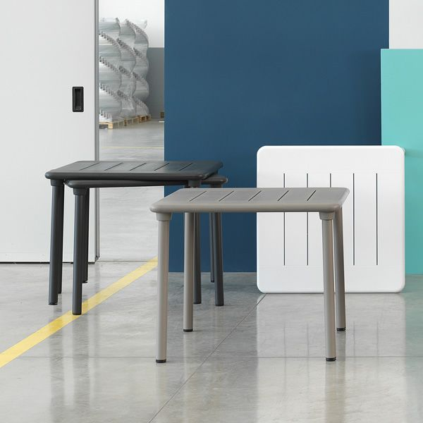 Metal table with varnished structure, resin top in dove grey and wengé colour
