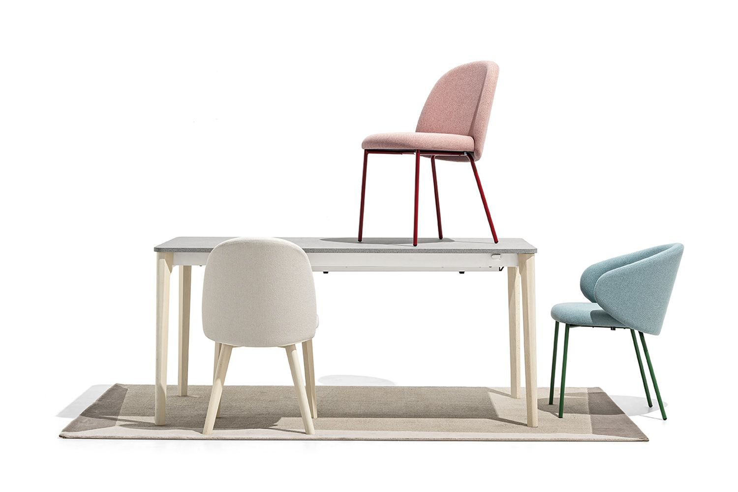 Tapì rug by Connubia matching with Tuka chairs