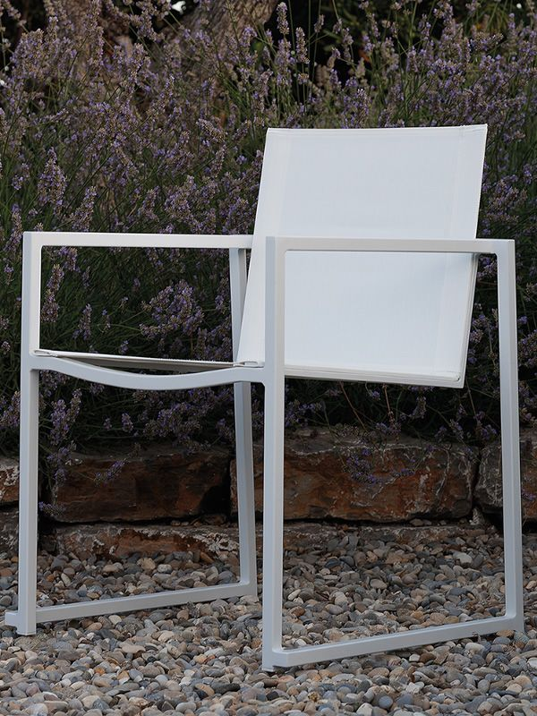Garden armchair in aluminium and textilene