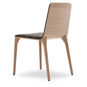 Pit W - Modern chair with wooden structure and leather seat by Tonon