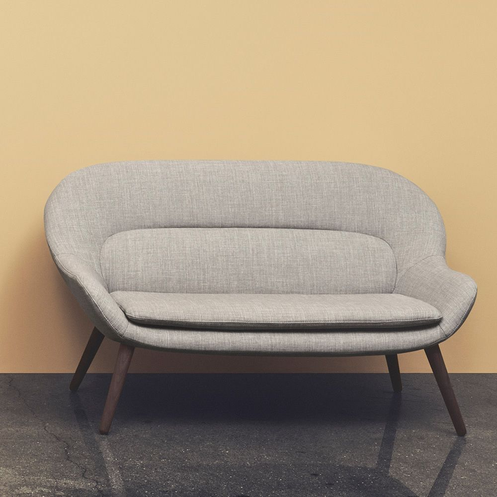 Sofa with legs in walnut wood and fabric covering in Nantes light grey colour
